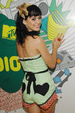 th_10706_Celebutopia-Katy_Perry-MTV_TRL-02_122_1137lo.JPG