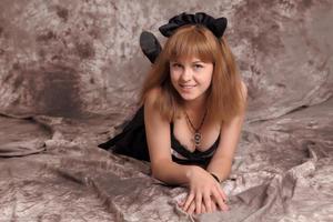 http://img132.imagevenue.com/loc168/th_623281923_Silver_Sandrinya_maid_3_085_122_168lo.jpg
