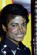 1983 - Thriller Certified Platinum  Th_579307703_184881_191229314243086_742410_n_122_230lo