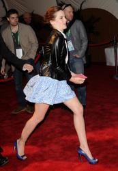 Emma Watson au festival Tribeca de New York. Th_127973518_EmmaWatson_TribecaFF_210412_108_122_242lo